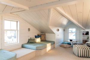 Upstaris room with window seat